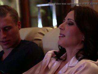 Jenna j ross gets مارس الجنس بواسطة لها صديقة في منزل coming, مشهد #02