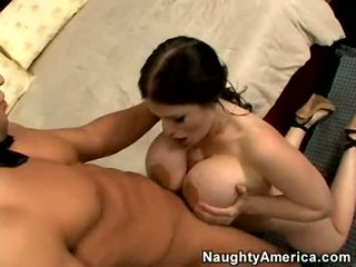 Gyzykly momma daphne rosen stuffs her mouth with a thick shaft and enpleasures it