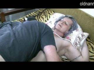 Alt oma erhalten muschi licked von jung guy video