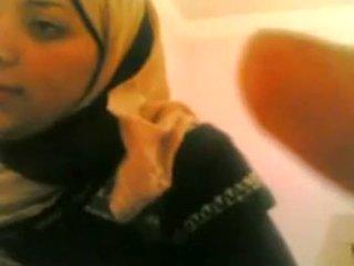 Arab prawan gets fucked by putih guy live @ www.slutcamz.xyz