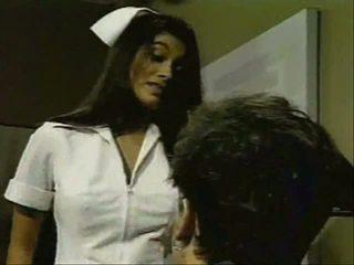 印度人 护士 gives 良好 remedy