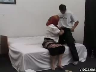 Obesa abuelita wants puss filled con chavala meat