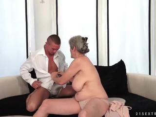 Povekas mummo enjoys kuuma seksi kanssa hänen boyfriend