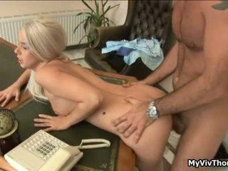 Kimainen blondi söpö whore gets hänen tiukka