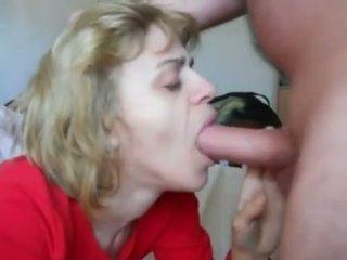 Mama į mouth-fuck n sperma nurijimas veikla