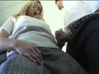 เอเชีย guy ขาว สาว เซ็กส์ระหว่างคนต่างสีผิว บน the รถบัส