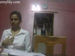 Индийски секс учител възбуден lily любов lesson