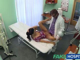 Sıcak adela gets doctors büyük deli therapy