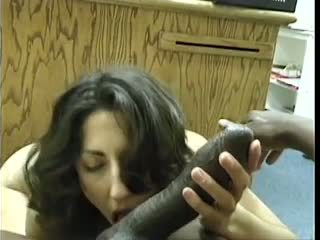Asian-pakistani brunette sucks groot zwart dravidian piemel