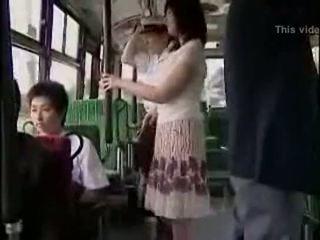 Sorpresa hanjob en autobús con double feliz ending
