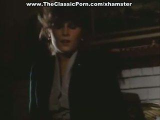 Orgasmia video- kanssa seksikäs nainen päällä the lattia