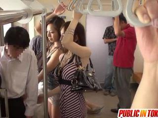 Smut тайська публічний секс involving вечірка