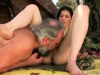 שחרחורת, סקס הארדקור, מין קבוצתי