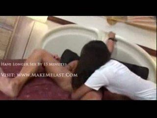 Nyomi marcela nailed en une infirmière costume