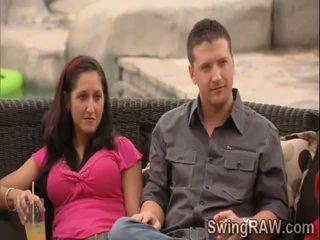 Sự rút lại trò chơi giúp những swingers couples đến biết mỗi khác