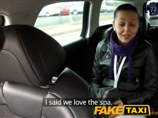 Faketaxi mustanahaline haired beib fucks the cab driver