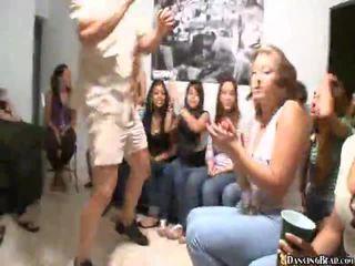 Mga bidyo ng girls giving oral pagtatalik