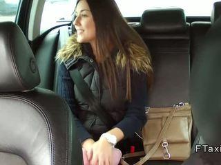 美麗 捷克語 孩兒 banged 在 fake taxi