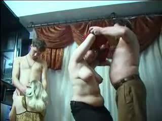 Orosz párcserélő buli