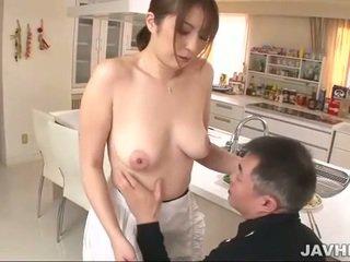 Bystiga japanska does boobjob