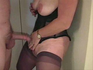 Съпруга голям путка клитор видео