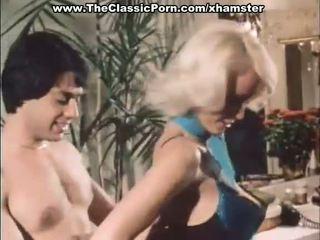 Класически порно с two красавици жени
