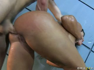 Lascivious Honey Lisa Ann Has Her Mouth Sauced Nearly Innocent Boy Goo And Likes It