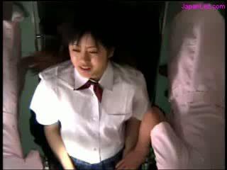 فتاة getting لها كس examinted مع منظار licked بواسطة الطبيب الثدي rubbed بواسطة 2 nurses في ال عملية غرفة