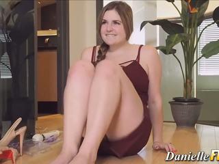 Мастурбує грудаста cutie, безкоштовно danielle ftv hd порно 0e