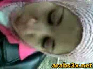 Arab في سن المراهقة مص كوك