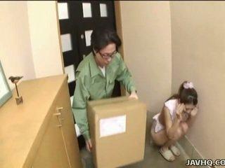 Dulce japonez adolescenta forțat în muie