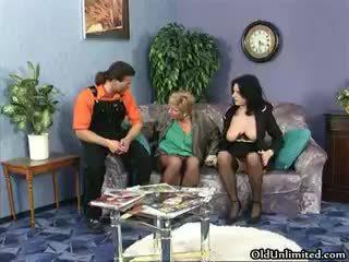 Napalone dojrzała whores iść szalone rubbing