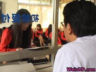 Aziatike vajzat getting një amoral seks