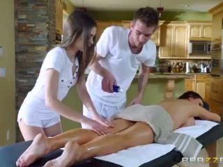Brazzers - sexy trojka masáž <span class=duration>- 7 min</span>