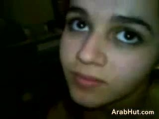 Arab pusaudze meitene nepieredzējošas viņai boyfriends dzimumloceklis
