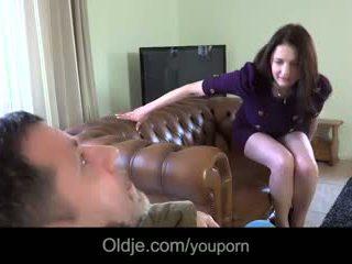 Infidel stary guy gets laid z wifeã¢â€â™s duży titted młody bestie