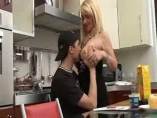 Ιταλικό μαμά και γιός βίντεο