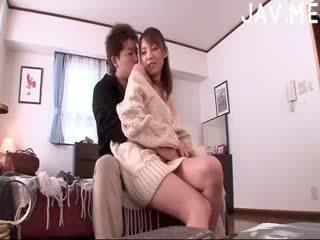брюнетка, японски, задник