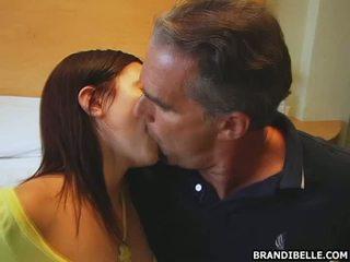 Raucous dan seksi menghisap zakar