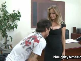 Gran breasted mamá id como a joder nena en calcetas oficina follando