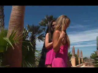 outdoor sex, pussy licking, lesbian sex
