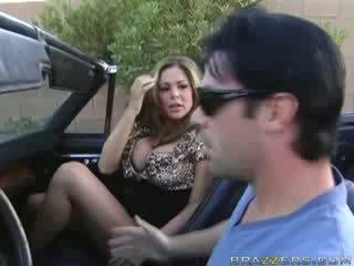 แม่ผมอยากเอาคนแก่ ใช้ปากกับอวัยวะเพศ ใน a muscle รถยนตร์!