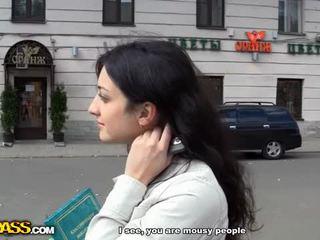 Blonda în anal public la dracu video