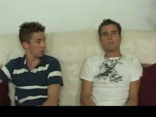 Aiden & sean having homosexual seksas apie the sofa homosexual porno 4 iki gotbroke