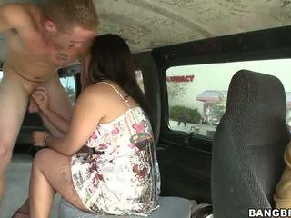 Bangbus pickup गर्ल
