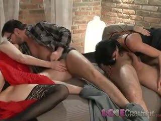 Rakkaus creampie two läkkäämpi milf swingers osuus husbands cocks sisään tuhma vimma