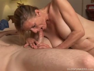 Slutty older babe is a super hot fuck ...