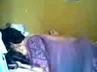 Indonezyjskie romantic nastolatka para zrobić miłość w sypialnia