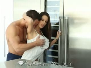 Puremature - gyzykly brunet kortney kane is craving some sik