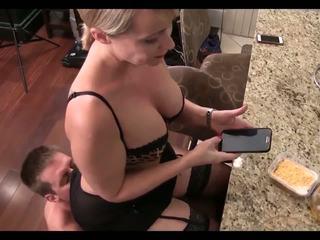 Wichse für ihre mama: kostenlos wichse für mama hd porno video 42